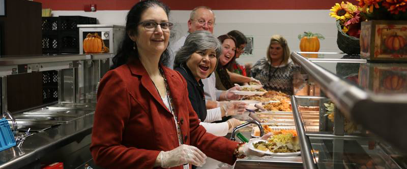 La Vergne Middle free community Thanksgiving