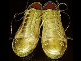 Hometown Heroes Walk for Children 'Golden Sneakers' Award