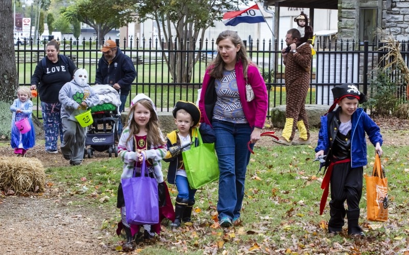 Trick or Treating at Cannonsburgh Village